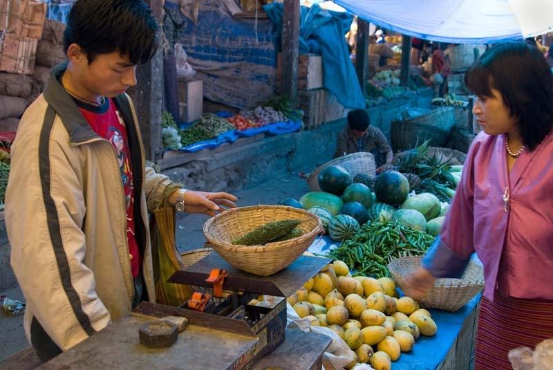 Thimphu vegetable market (2)
