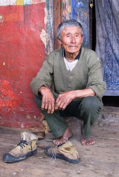 Man at Louzhong temple, Trongsa